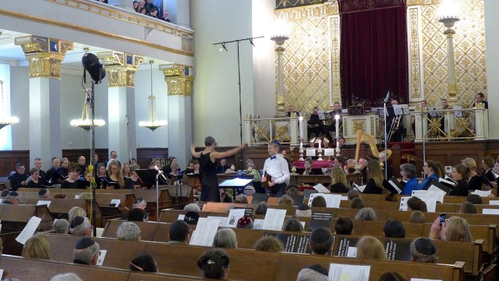 Akademisk Kor orkester dirigent drengesolist og tilhørere